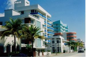 MiamiArtDeco_architect_galleryfull