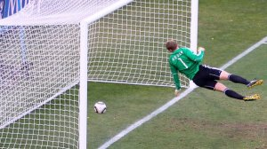 Lampard scores past Neuer but referee 'saw' no goal