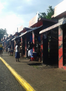 Vendors at Melrose Hill, Manchester, yam park