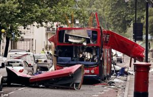 Bus bombed in central London