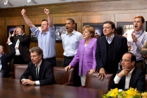 Cameron shows G8 leaders how to cheer